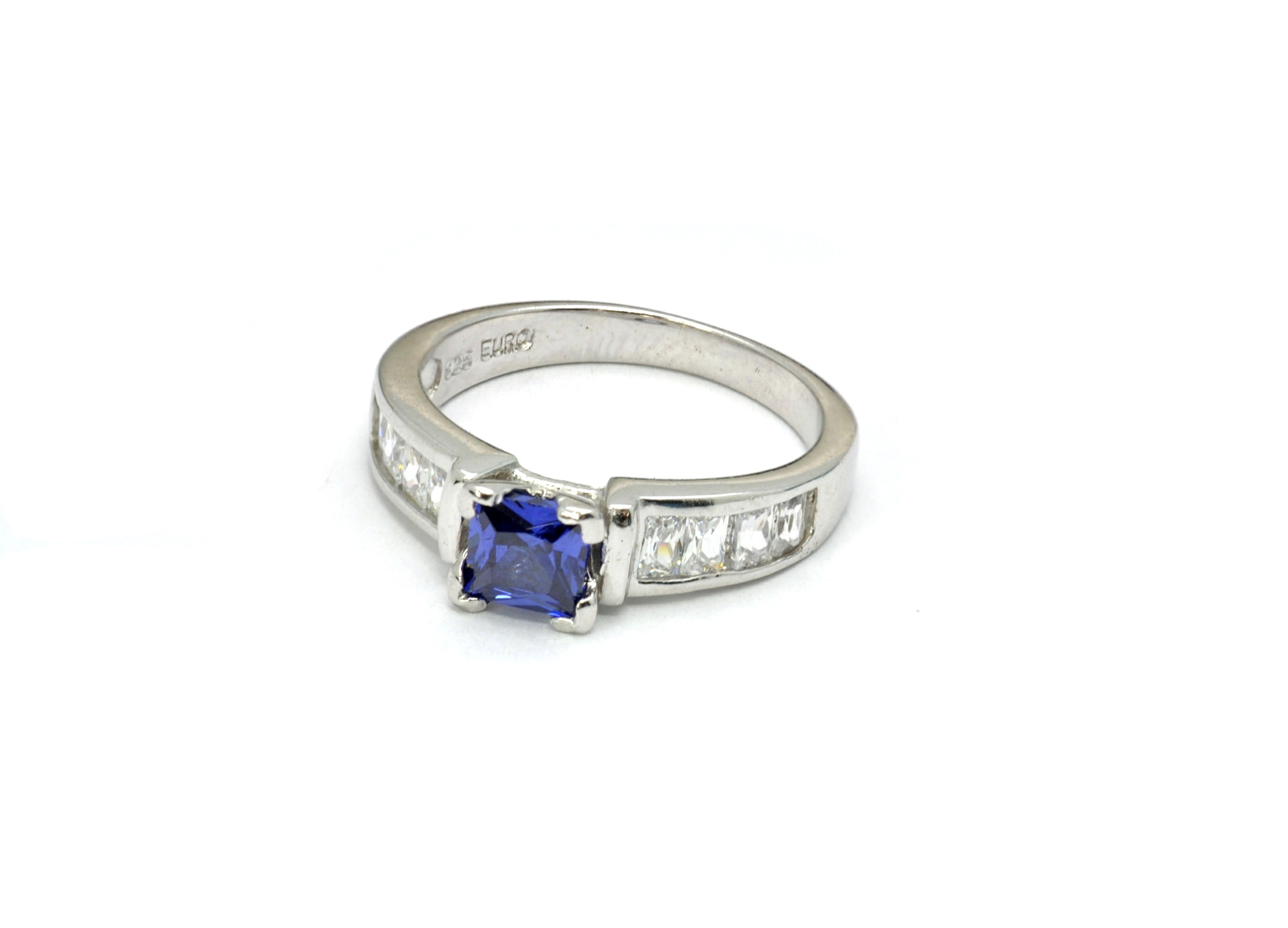 ring tanzanite gemstones cut solitaire princess product richland diamond img cushion